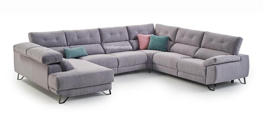 Sofá rinconera cofort extraordinario en línea vanguardista, sentadas muy suaves con viscoelástica y relax motorizados para obtener la posición deseada. Cabezales reclinables, un placer.