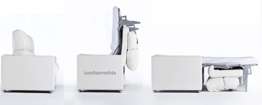Sofá cama apertura italiana que puedes combinarlo con asientos deslizantes o relax motor. El brazo arcón y el cabezal abatible completan su equipamiento.