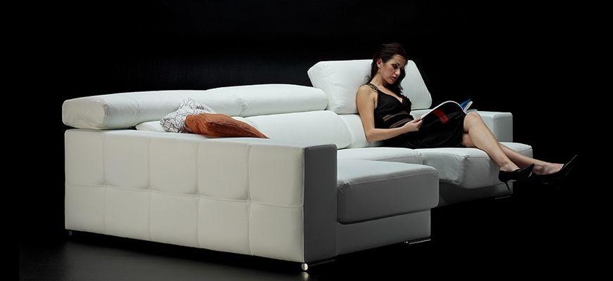 El clásico moderno más demandado. Sofá con buen soporte lumbar y adecuado apoyo cervical regulable. Completa su equipamiento los asientos deslizantes y el chaise longue con arcón.