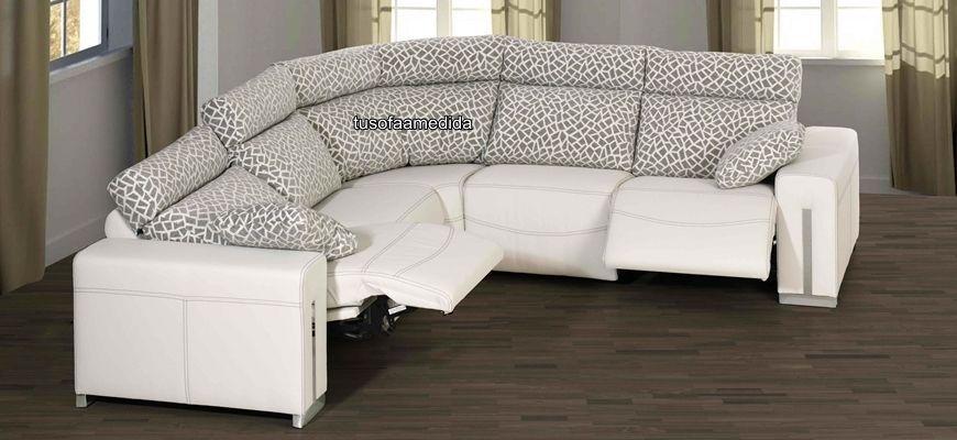 Elegante sofá rinconera con módulo rincón curvo para que aproveches al máximo tu sofá. Elige los asientos relax que necesites y disfruta de su comodidad.