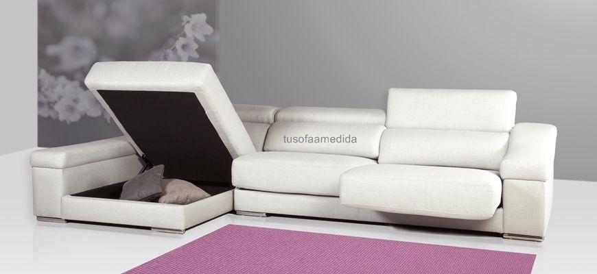 Sofá rinconera a la medida de tu salón, con asientos deslizantes y cabezales abatibles. Elije el sofá rinconera Mallorca y vístelo con las mejores telas anti-manchas o pieles naturales.