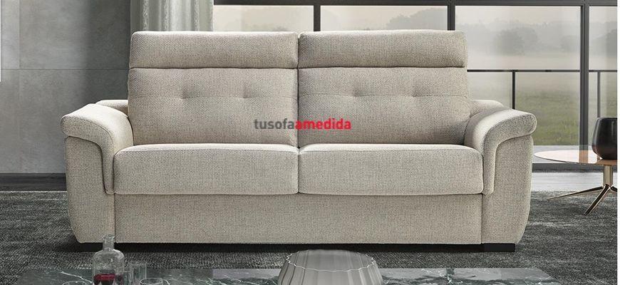 Sofá con sistema de cama apertura italiana y colchón de 18 cm. de grosor, un sofá elegante y convertilble en cama que complementa la decoración de su salón.