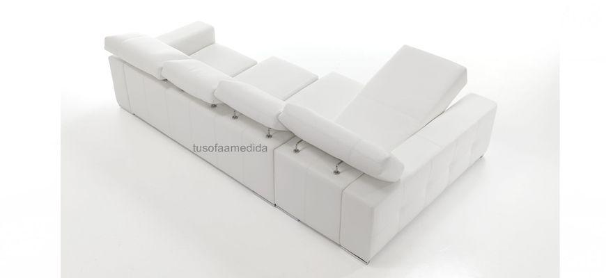 El sofá más demandado con asientos extensibles, cabezales abatibles y chaise longue con arcón. Tapizado en piel 100% bovina de las colecciones Texas o Ciervo. Calidad y diseño al mejor precio.